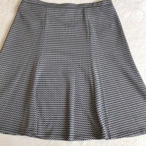 Zac $ Rachel black / white skirt size XL